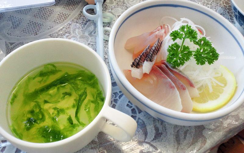 お刺身とスープ