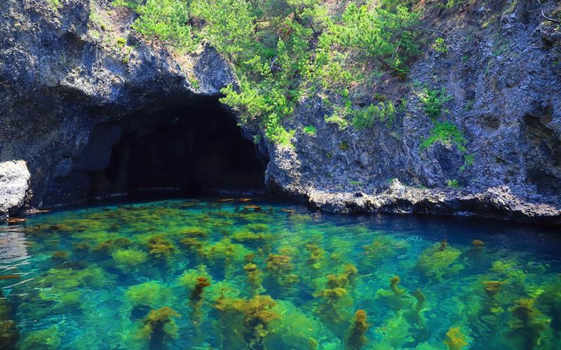 佐渡島の青の洞窟