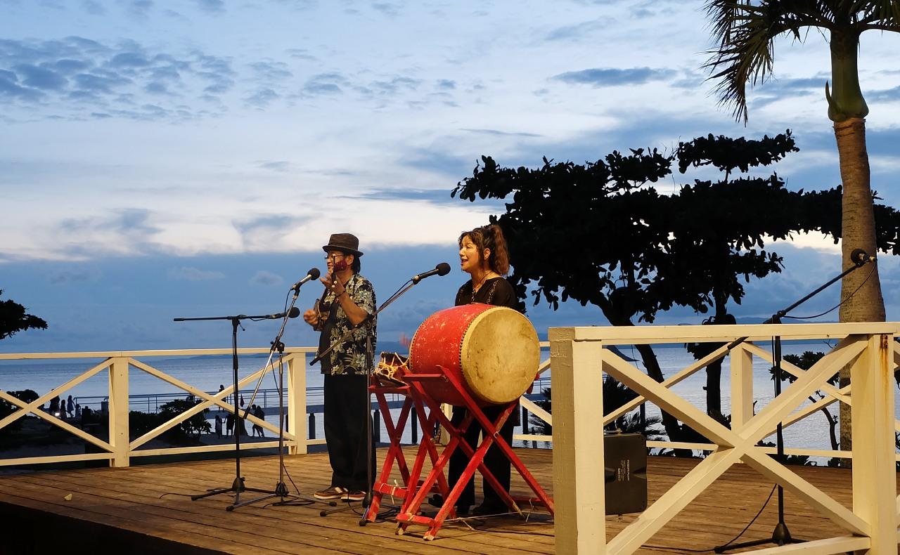 三線と沖縄民謡のライブ